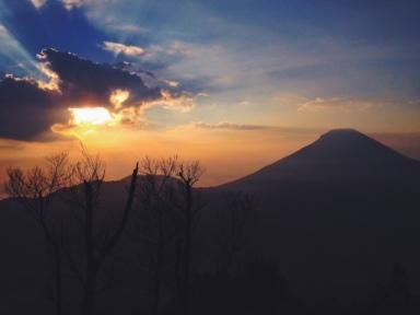 Sunrise dari Sikunir
