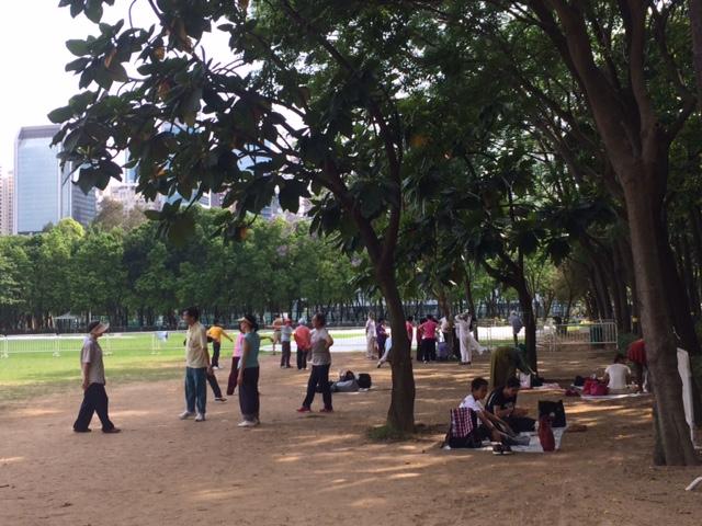 Minggu Pagi di Victoria Park